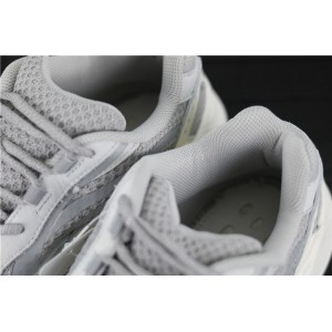 Women Adidas Yeezy Boost 700 V2 Static In White Gray Shoes